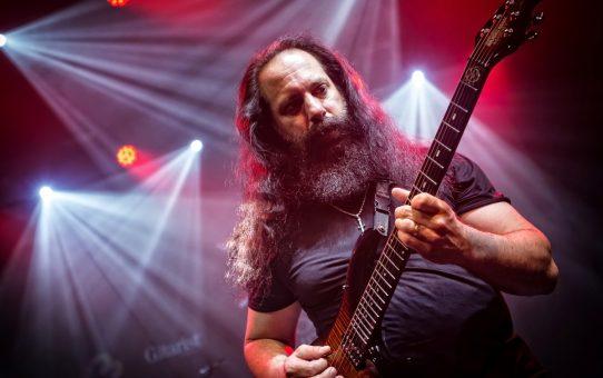 John Petrucci ontvangt SENA Guitar Award